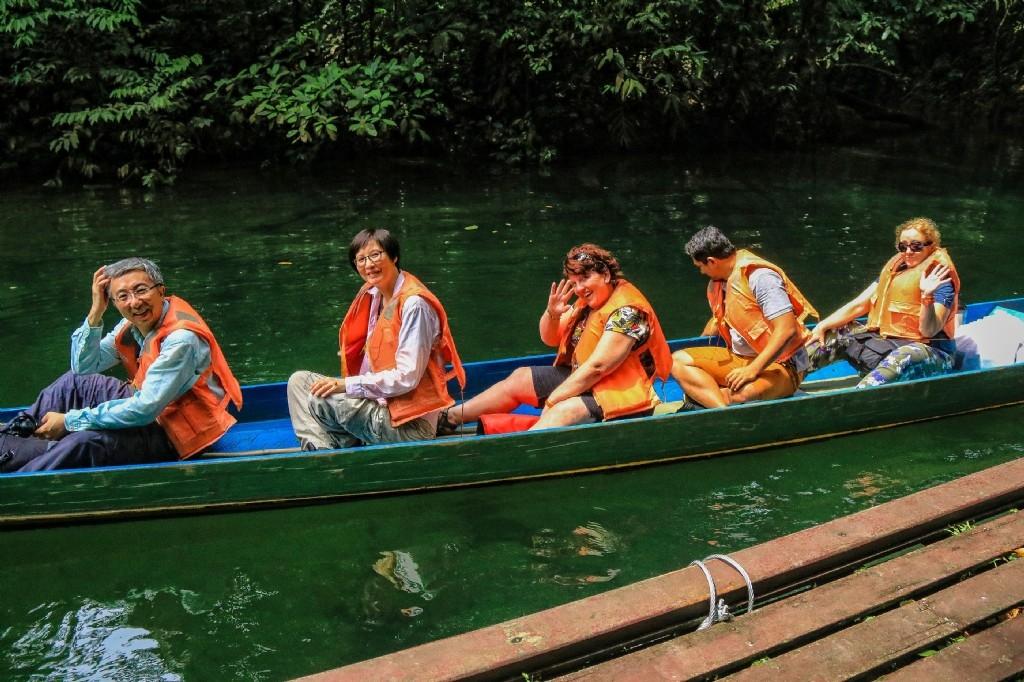 Longboating, Mulu National Park
