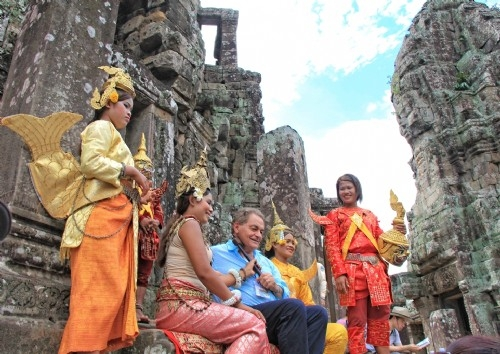 Angkor Thom Complex tour - Bayon Temple